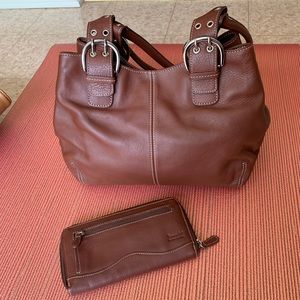 Brown leather purse and matching wallet